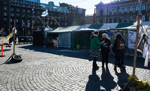 Tuleva viikonloppu on poliisin kannalta koko kesän vilkkain Helsingissä, sanoo poliisi.