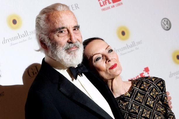 """Christopher ja Birgit """"Gitte"""" Lee ehtivät olla naimisissa yli 50 vuotta."""