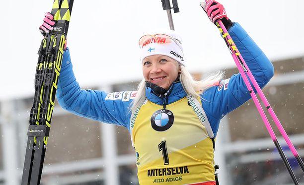 Ampumahiihdon maailmancupia johtava Kaisa Mäkäräinen on yksi Suomen suurimmista mitalitoivoista.
