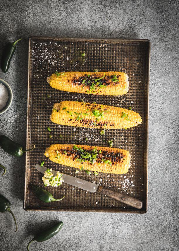 Kotimainen grillattu maissi on herkullisen mehevää ja makeaa.