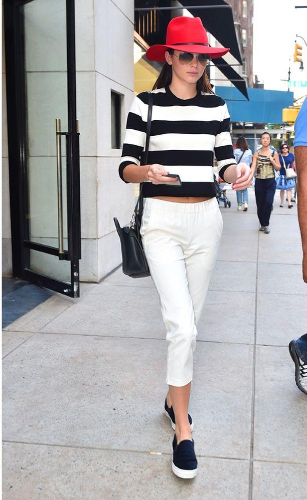 Kendall Jenner on muotiviikkojen it-girl, yksi seuratuimmista. Silloinkin kun hän poikkeaa shoppailemaan.