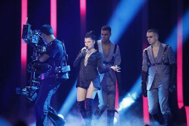 Saara Aalto sai kansainvälistä huomiota Euroviisuissa, mutta ei silti saanut tarpeeksi ääniä esityksellään.