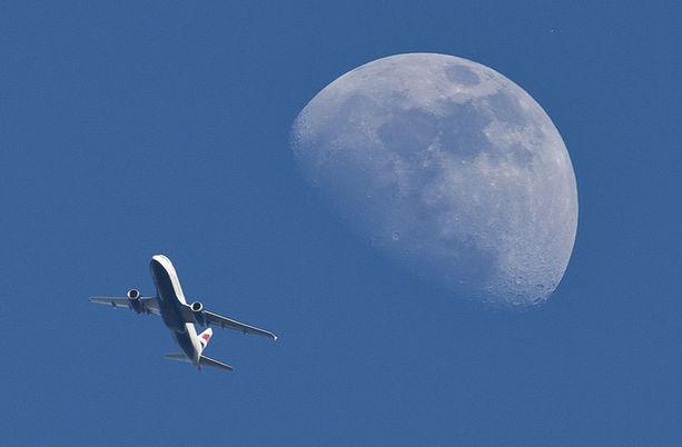 Angolasta Lontooseen pyrkinyt José Matada putosi British Airwaysin lentokoneesta syyskuussa 2012. Kuvassa British Airwaysin lentokone nousee Heathrow'n lentokentältä huhtikuun 20. päivänä.