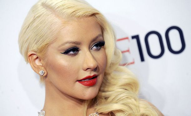 Christina Aguilera on totuttu näkemään vahvassa meikissä, minkä vuoksi tuoreet kuvat säväyttävät luonnollisuudellaan.