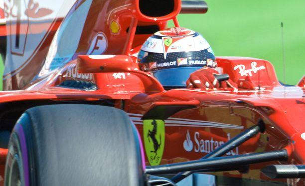 Kimi Räikkösellä oli ongelmia renkaiden kanssa.