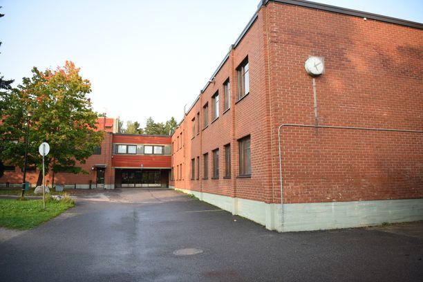 Kytöpuiston koululla tapahtui tiistaina 15. syyskuuta välitunnilla kuudesluokkalaisten oppilaiden tekemä vakava väkivallanteko, jossa loukkaantui yksi oppilas.