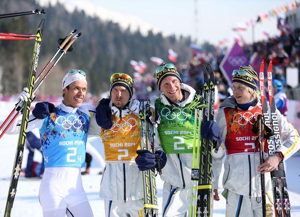 Marcus Hellner, Johan Olsson, Daniel Richardsson ja Lars Nelson voittivat olympiakultaa Sotshissa.