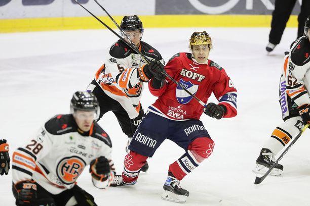 HPK:n puolustus pystyi pitämään HIFK:ssa debytoivan ässähankinnan Sakari Salmisen melko hyvin pihdeissään.