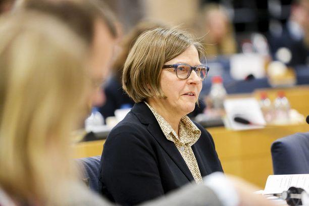 Vihreiden europarlamentaarikko Heidi Hautala halusi muiden suomalaismeppien tavoin luopua kesäajasta ja kellojen siirtelystä.