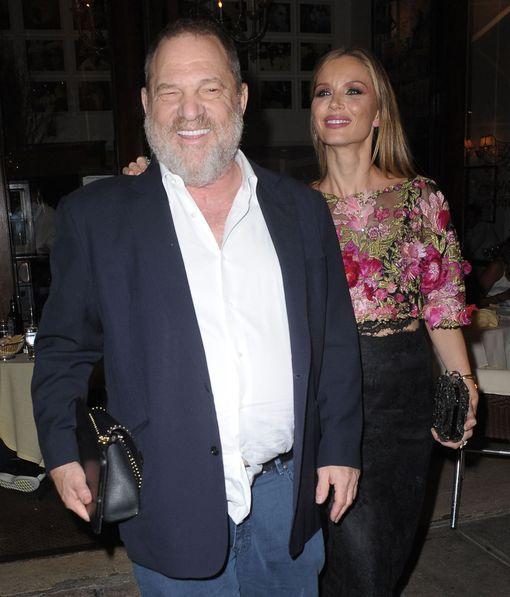 Weinstein kuvassa Georgina-vaimonsa kanssa. Georgina jätti miehensä kuultuaan seksiskandaalista.