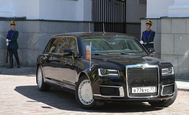 Vladimir Putinin uusi limusiini sai ensiesittelynsä toukokuussa presidentin virkaanastujaisissa.