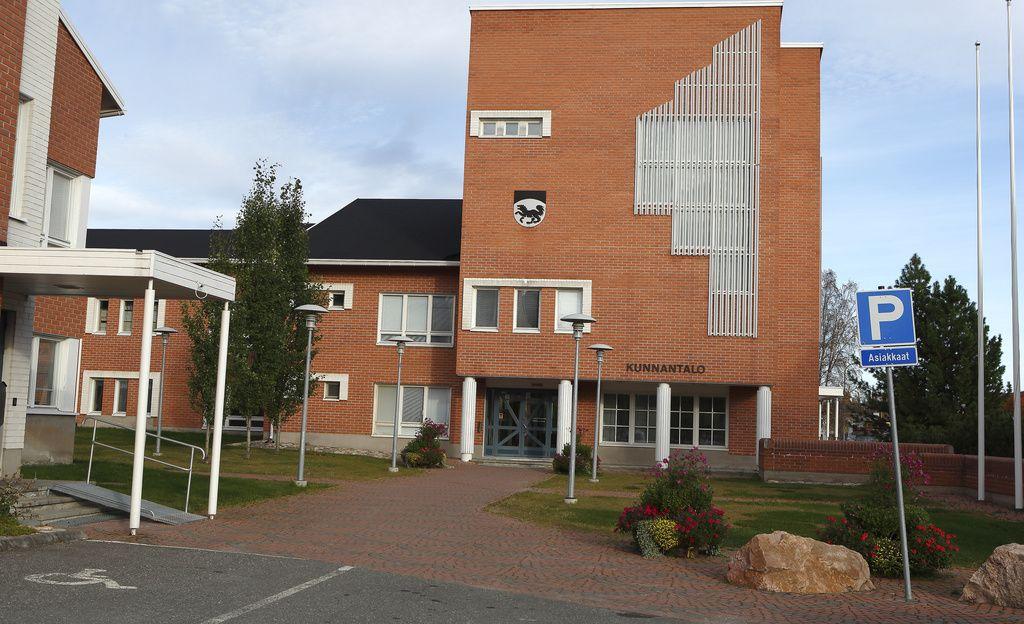 Ministeriö päätti: Kittilän kunnan rikossyytteissä olevat luottamushenkilöt pidätetään luottamustoimistaan