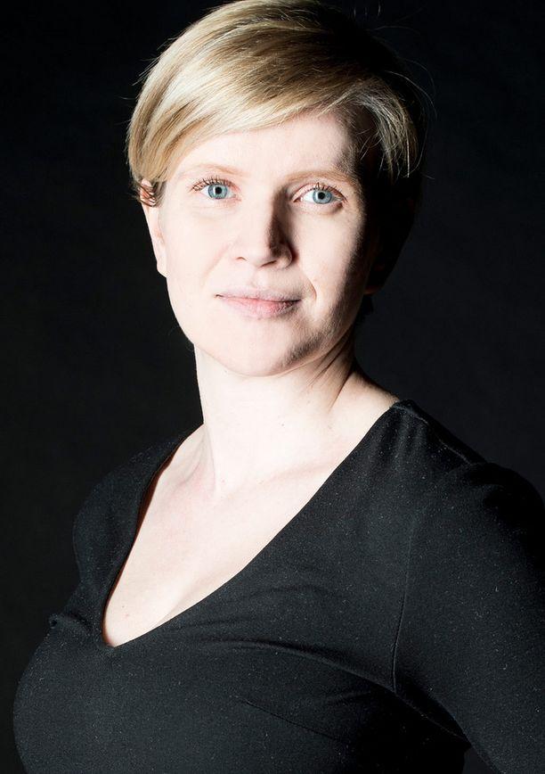 Edith Andersson käsittelee näkökulmassaan lapsen asemaa.