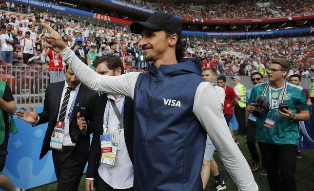 Zlatan Ibrahimovic ei jättänyt taaskaan kommenteillaan toimittajia kylmäksi.
