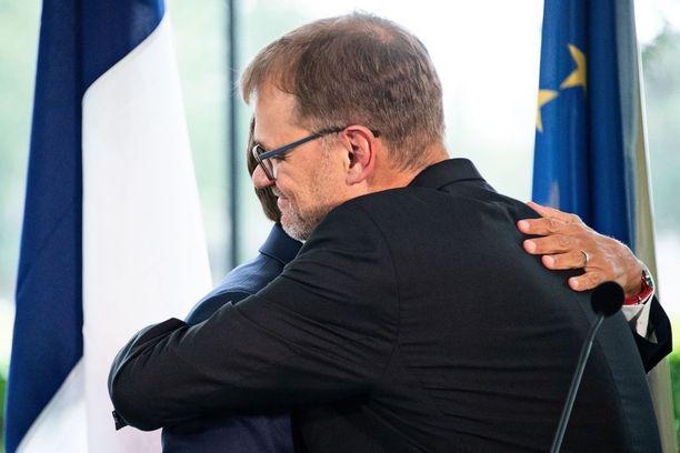 Kahvin lämmittämä Macron jatkoi valtiovierailuaan pääministeri Juha Sipilän (kesk) pakeilla.