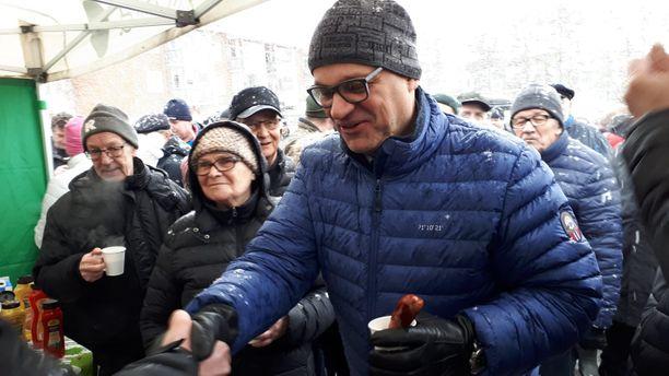 Juha Sipilä tapasi kuntalaisia Iissä lauantaina.