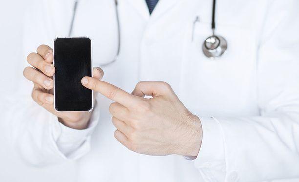 Terveyssovellusten kehittäjät pohtivat, josko terveysdataa voisi yhdistää erilaisiin asiakasrekistereihin. Käyttäjille viestintä on ollut monessa kohtaa puutteellista. Kuvituskuva.