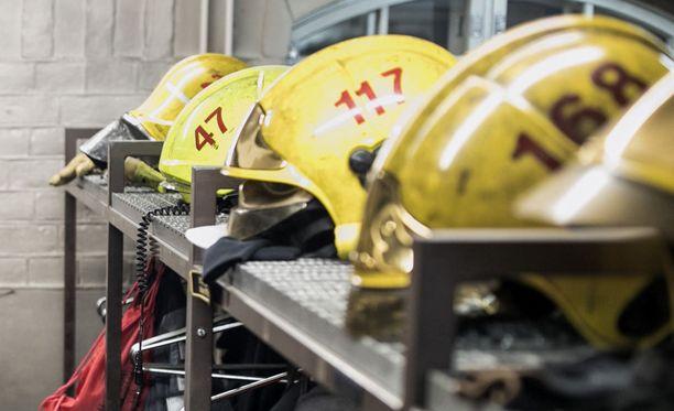 Palokunta pääsi nopean hälytyksen ja hyvän sijainnin ansiosta saman tien paikalle. Kuvituskuva.