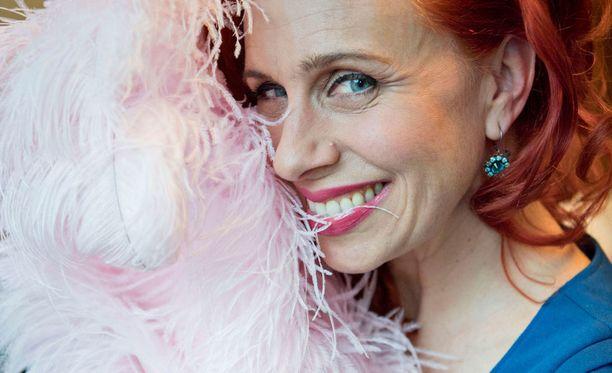 Ophelia Flame on työskennellyt burleskitanssijana jo 25 vuotta.
