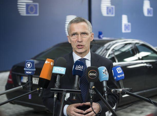 Naton mukaan Brysselissä järjestettävässä kokouksessa ei ole kyse huippukokouksesta. Kuvassa Naton pääsihteeri Jens Stoltenberg.