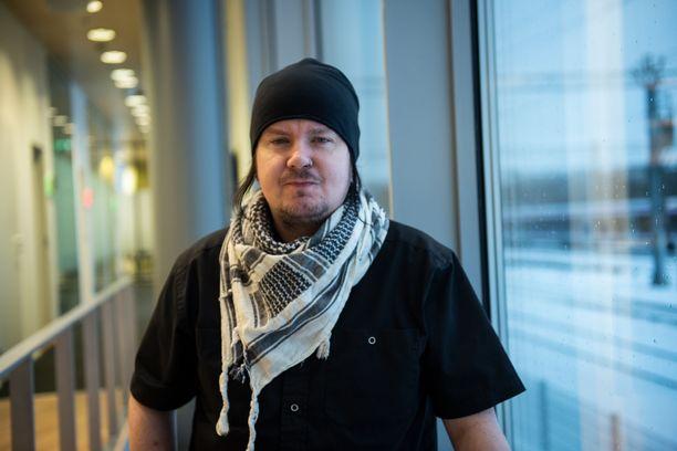 Aki Tykki on Happoradio-yhtyeen keulakuva.