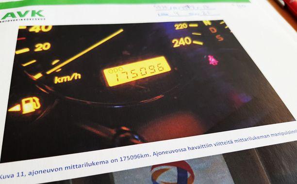 Autovahinkokeskuksen lausunnot vahvistivat epäilyjä matkamittarien manipuloinnista.