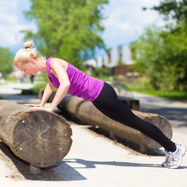 Liikunta ei yksin riitä vähentämään riskiä sydän- ja verisuonitauteihin, jos loppupäivä vietetään paikallaan.