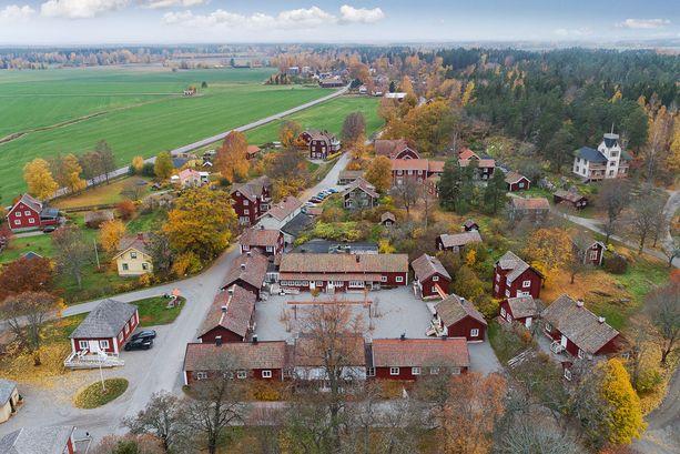 Myyntiin tulleessa Sätra Brunnin kylässä asuu noin 300 ihmistä.
