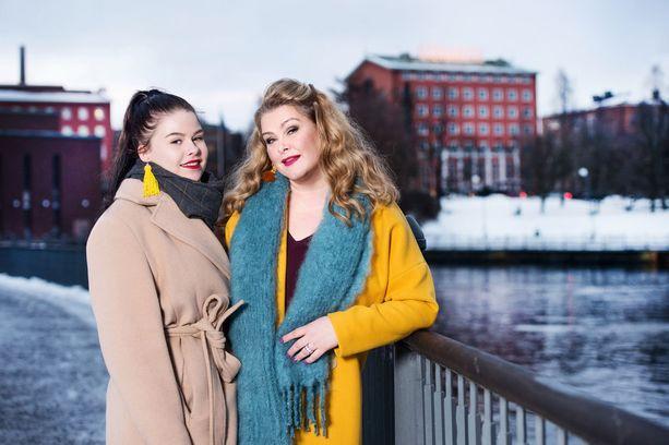 Tarja Smura ja tytär Angela.