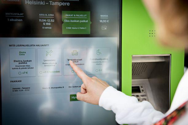 Uusista lippuautomaateista junalippuja saa samaan hintaan kuin uudesta mobiilisovelluksesta.