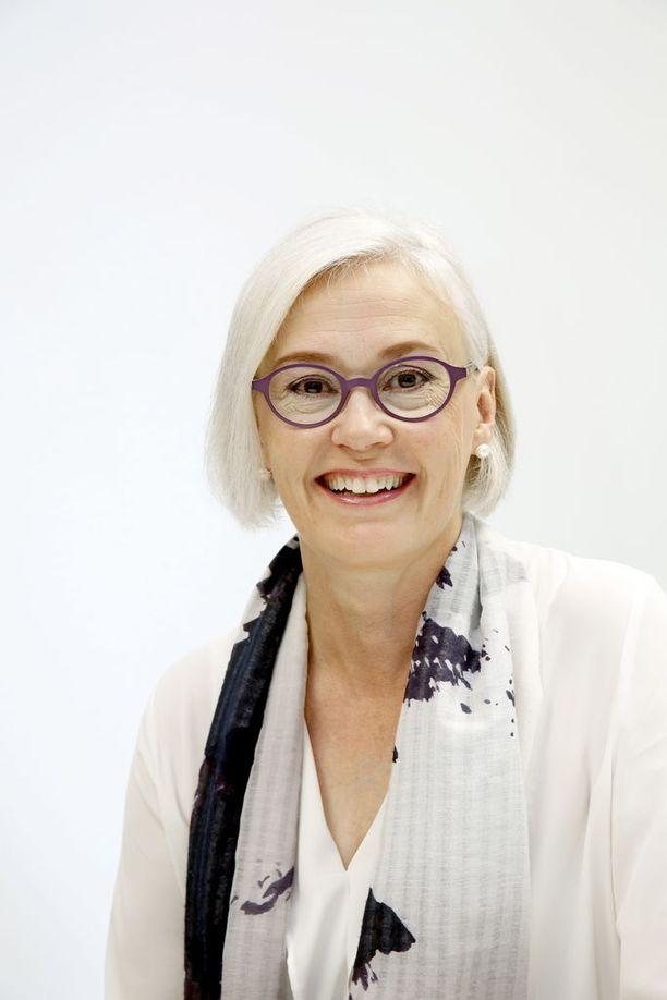 Työterveyslaitoksen vanhemman tutkijan Mervi Hasun mukaan työelämässä tarvitaan strategisia pysäyttäjiä arjen kiireen keskelle.