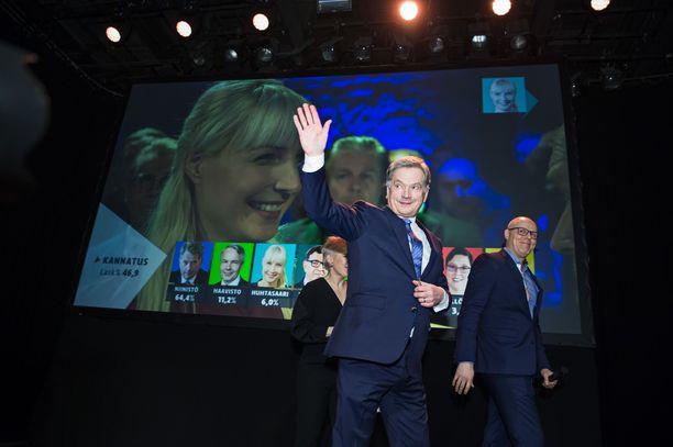 Tasavallan presidentti Sauli Niinistö valittiin toiselle kaudelle presidentinvaalien ensimmäisellä kierroksella tammikuussa. Niinistön vaalivalvojaisia juhlittiin Vanhalla Ylioppilastalolla.