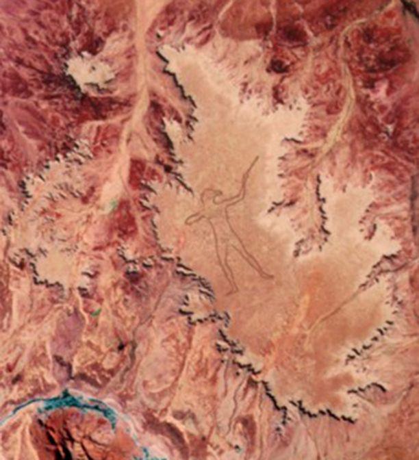 Marree Man näkyy myös satelliittikuvissa.