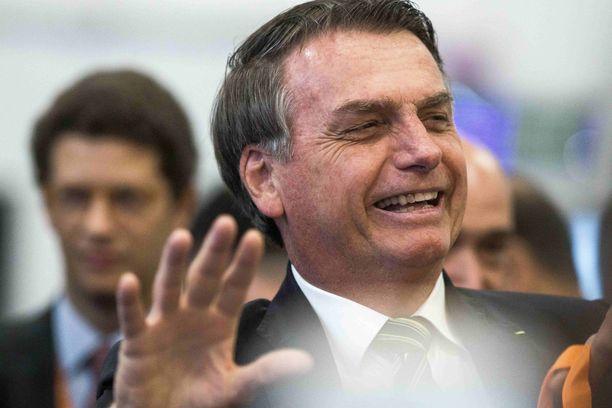 Brasilian äärioikeistolainen presidentti Jair Bolsonaro syyttää luonnonsuojelujärjestöjä massiivisten metsäpalojen sytyttämisestä.