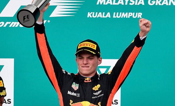Max Verstappenin voitto riehaannutti hollantilaiset.