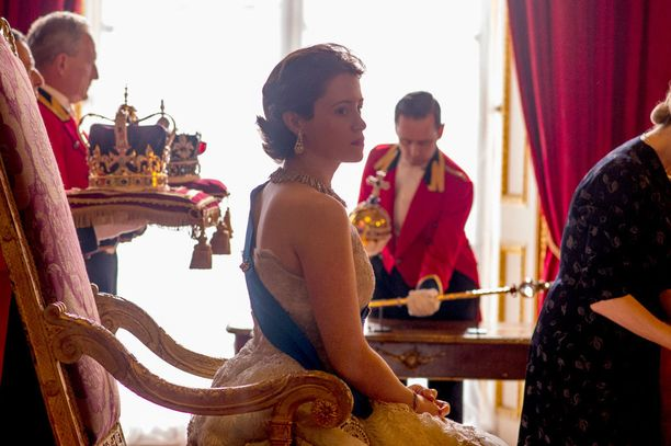 Sarjassa käsitellään esimerkiksi Elisabetin alkuaikoja hallitsijana.