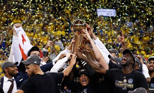Golden State Warriors kukisti Cleveland Cavaliersin.