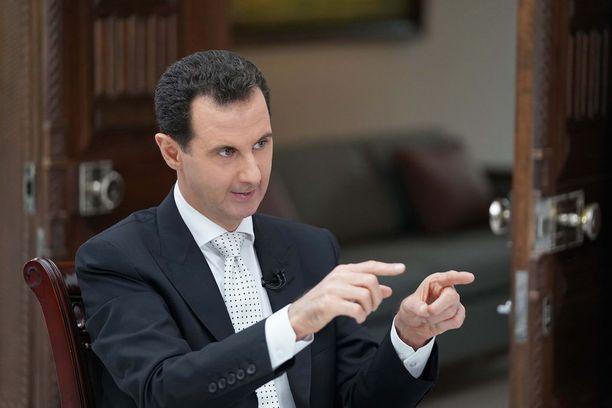 """Bashar al-Assad uhkaa ottaa koko Syyrian takaisin haltuunsa. """"Joko sinulla on maa tai sinulla ei ole maata"""", al-Assad sanoi."""