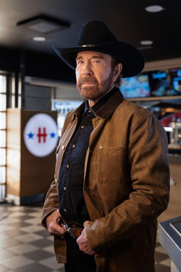 Chuck Norris tähdittää Hesburgerin mainoselokuvia.