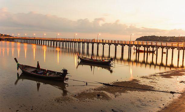 Phuketin ehdottomasti suosituimpia kohteita ovat sen monet rannat.