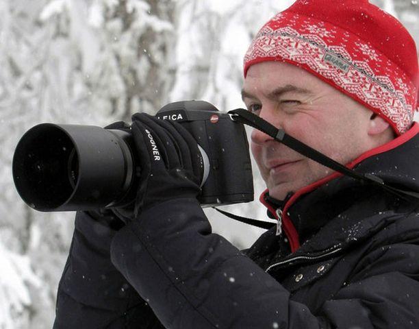 Venäjän presidentti lahjoitti ottamansa valokuvan huutokaupalle.