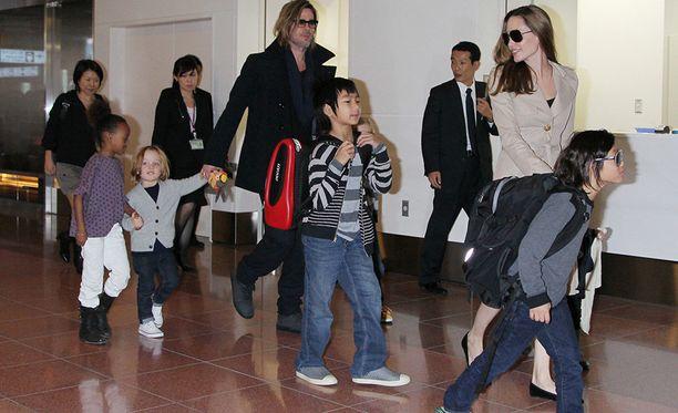 Vaikka lapsia on monta, on perhe aina matkustanut paljon.