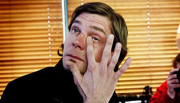 Uran päättyminen herkisti Janne Ahosen.