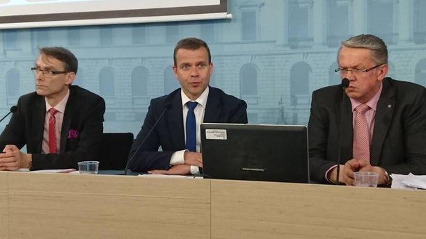 Valtiovarainministeri Petteri Orpo uskoo, että valinnanvapauden kautta syntyy säästöjä ja palveluiden saatavuus saadaan turvattua ympäri maata.