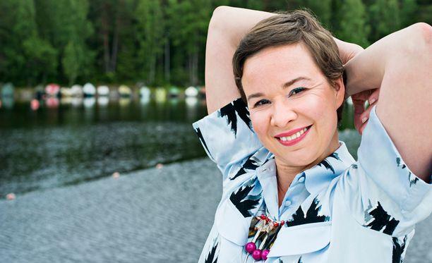 Rosa Meriläinen on ehtinyt tehdä monenlaista, myös näytellä.