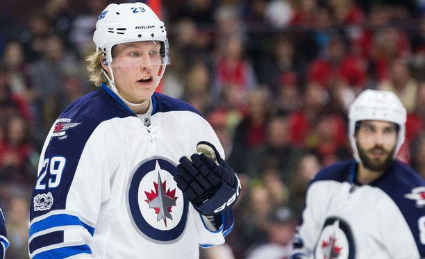 Patrik Laineen edustaman Winnipeg Jetsin pudotuspelipaikka on kovan työn takana. Jets on tällä hetkellä konferenssissaan 10:ntenä, kaksi pistettä pudotuspelipaikasta.