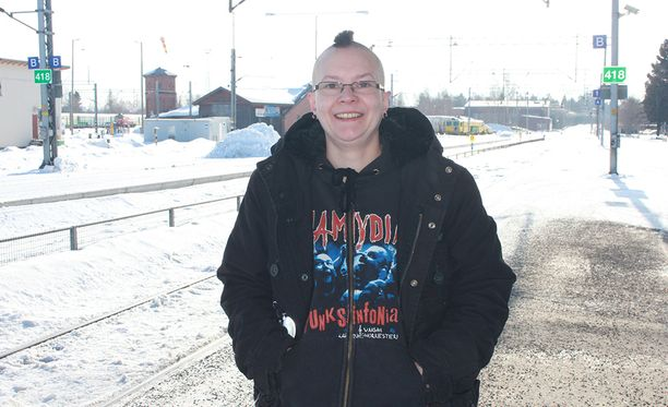 Sanna Aaltonen sai kuulla aivovammastaan vasta lähes kolmekymppisenä.