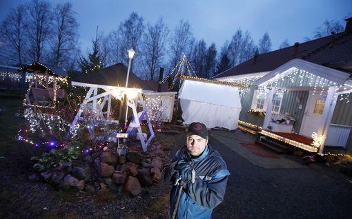 Samin jouluvalaistus lähti lapasesta: nyt pihalla on 15 000 lediä – katso video