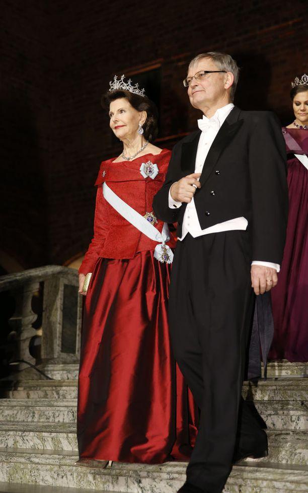Kuningatar Silvia juhli punaisissaan myös vuonna 2015.