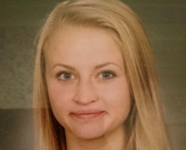Tova oli seurustellut murhasta epäillyn 22-vuotiaan kanssa siitä saakka kun Tova oli 14-15-vuotias.